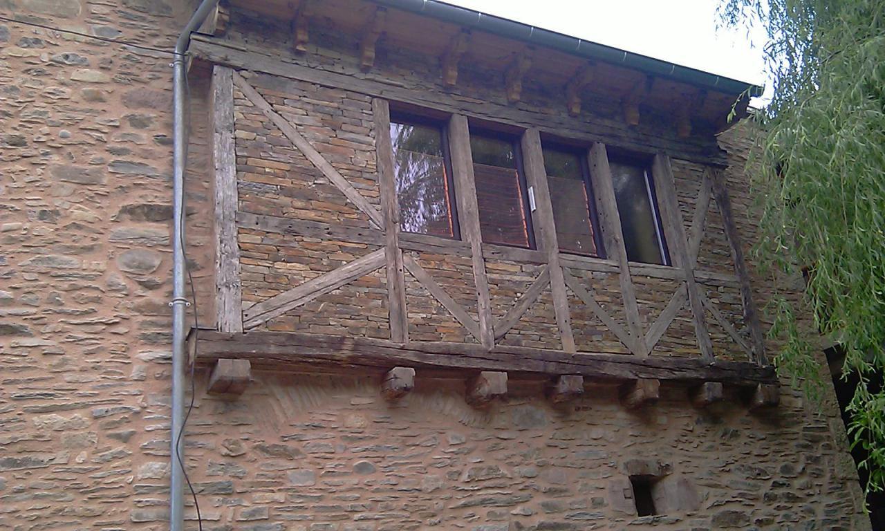 Charpente colombage et maçonnerie pierre sèche
