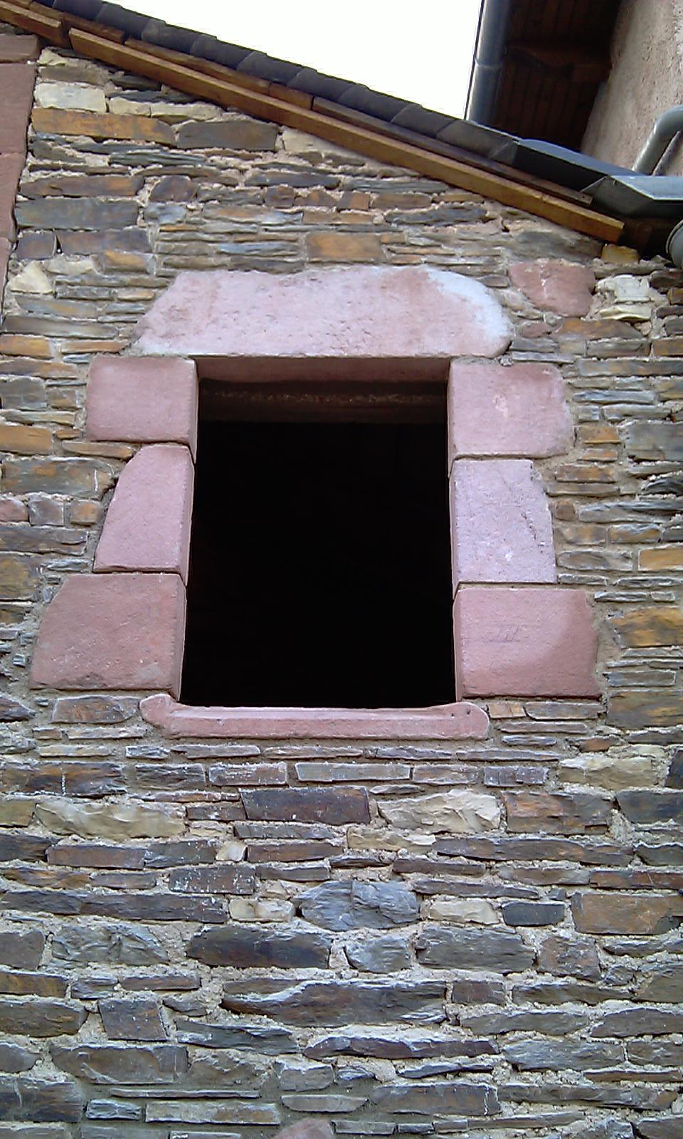 Création d'ouverture dans maçonnerie pierre